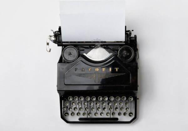 Napíšu stránkový fejeton na libovolné téma