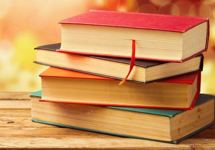 Zpracovávání domácích úkolů, esejí, elaborátů apod.